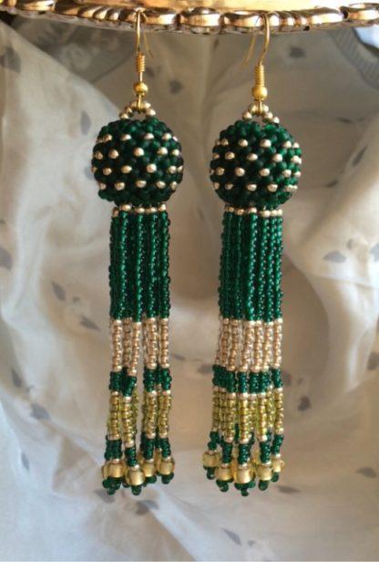 Серьги-кисточки из бисера зеленые