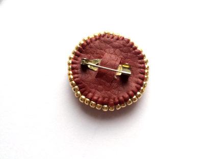Красная брошь из бисера и кристаллов swarovski